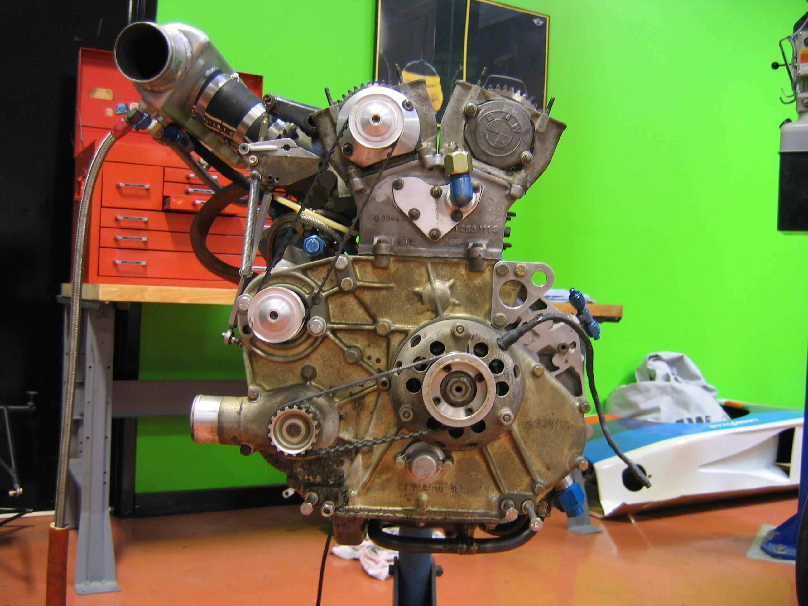 320 turbo engine 006